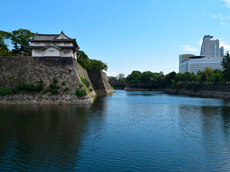 Osaka-castle-muro