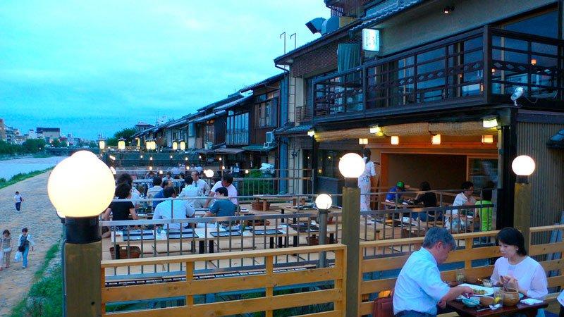 Terrazas-restaurantes-pontocho