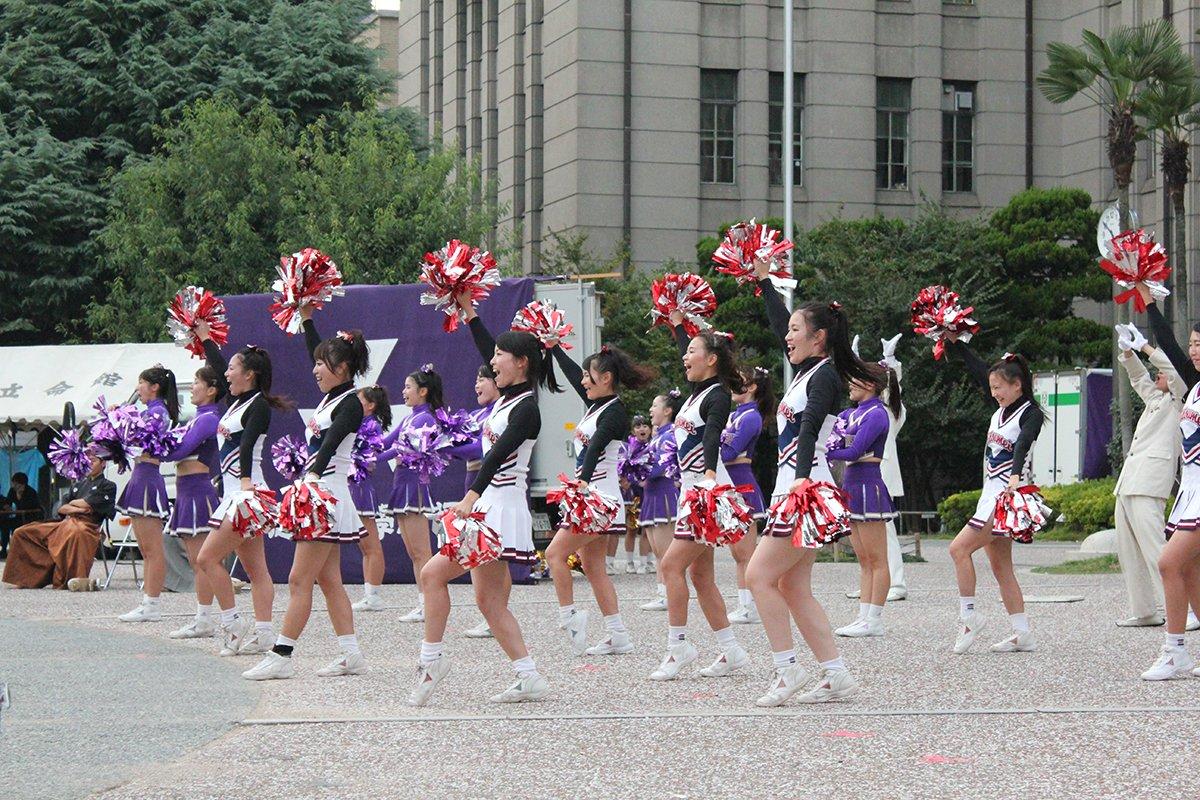 Cheerleaders en la universidad de Doshisha