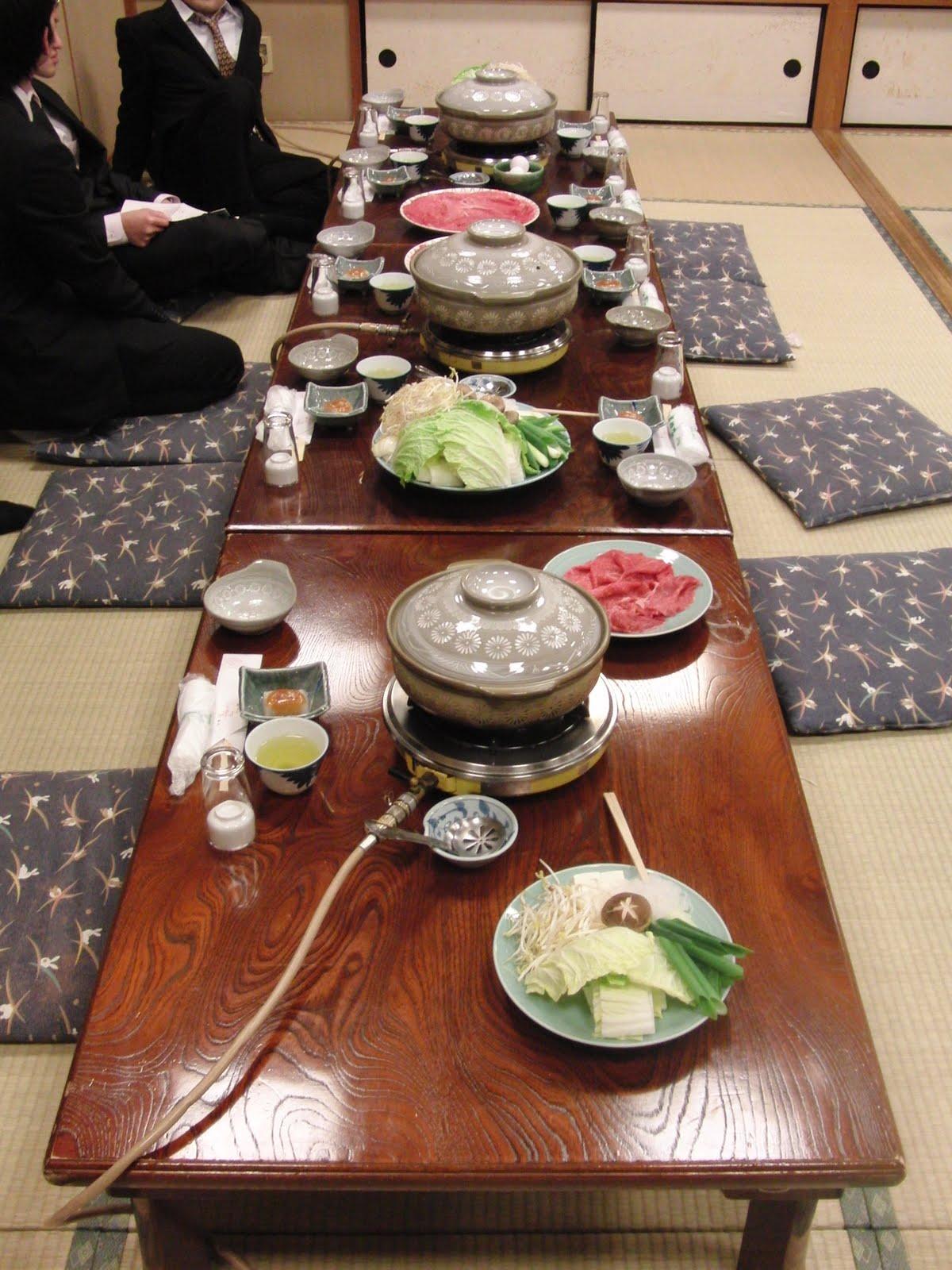 Mesa en el restaurante de Gion