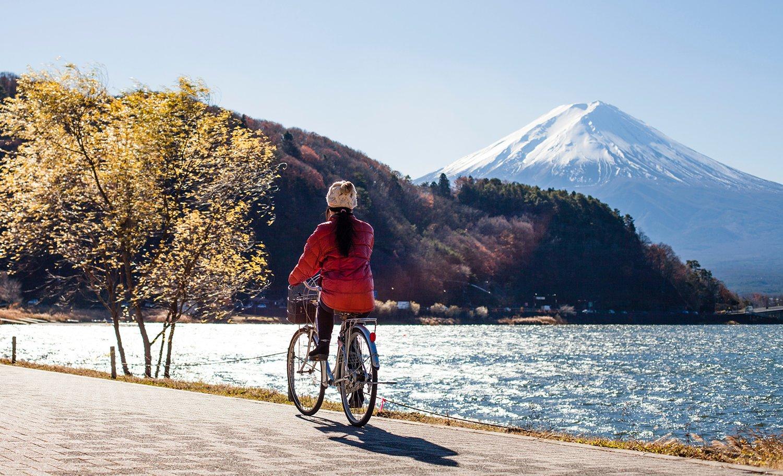 Paseo en bicicleta con vistas al Monte Fuji