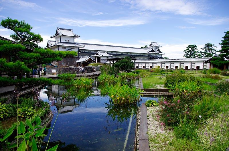 Kanazawa-Castle-park-金沢城--CC-Tomoaki-INABASeguir