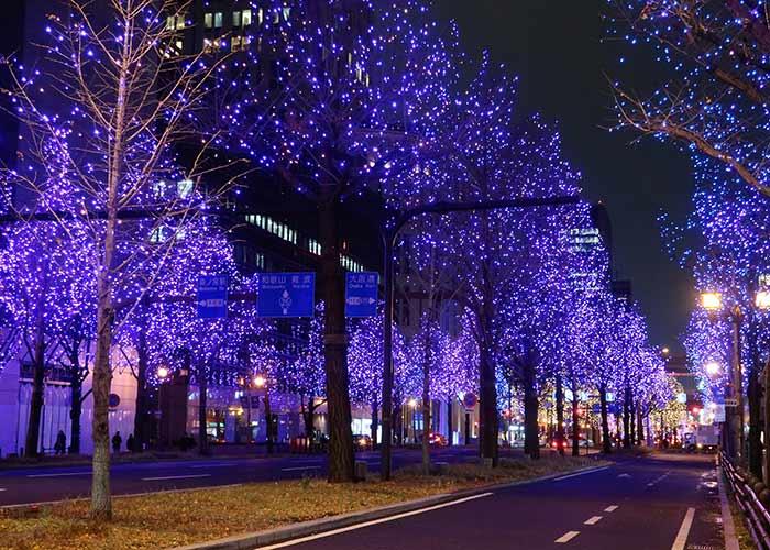 Iluminacion calle Midosuji Osaka